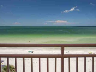 Beautifully Appointed Beachfront Condo.  Bright and Clean.  Panoramic View from
