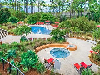 1 Bedroom 2 Bath Kitchen Water View Vacation Home, Sandestin