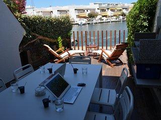 Marina Duplexe Hôtel privé luxe + location jet / bateau