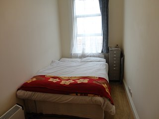 Room in a Shared flat, Convenient location( Zone3), Woodgreen