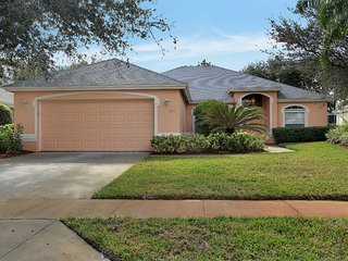 5 bedroom pool home in Briarwood of Naples