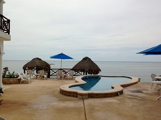 Ocean/Pool Level, Family Friendly Playa Caribe #3