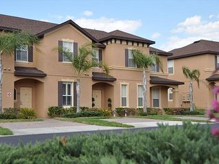 Premium Plus 4 Bed 3 Bath Townhome At Regal Palms