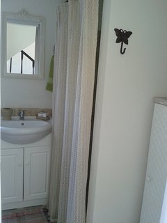 Baño en planta baja con duchero