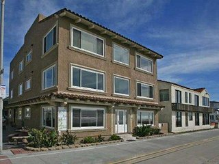#100 Ocean Front  Luxury Condo + studio, San Diego
