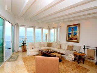 #212 Rare Oceanfront 4 bedroom in the heart of Malibu