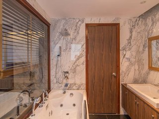 modern bath room with marbles