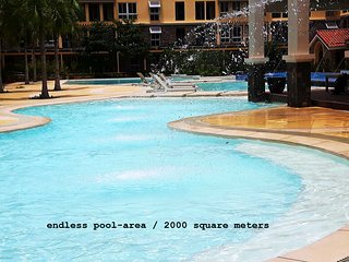 Brandnew luxury 2-BR condo next to SM Seaside Mall & IlCorso Seaside Restaurants