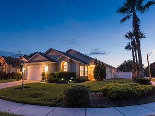 LUXURY FIVE BED VILLA MIMOSA, POOL, SPA, WiFi, Kissimmee