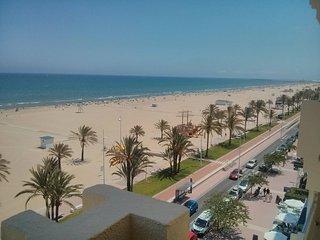 Las mejores vistas primera linea Playa Gandia, tranquilidad, vacaciones, paz.