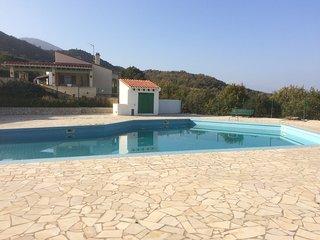 Detached villa in private domaine