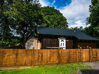 Taigh Nan Con Log Cabin, Dalavich, Hot Tub & Sauna