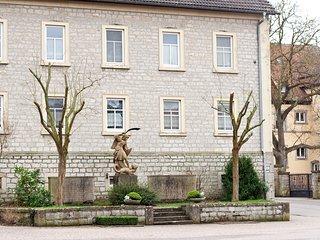 Alte Schule Wolkshausen, Giebelstadt