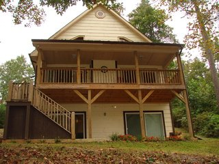 Bear Paw Chalet 2 bedroom, 2.5 bathroom, Unaka