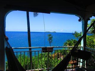 haut de villa avec vue sur la reserve cousteau