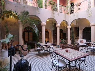 Traditional Riad in Marrakech Medina - Wifi - Private room and bth