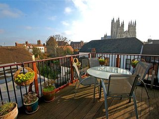 Penthouse Flat Canterbury Centre Feb and Mar 2017