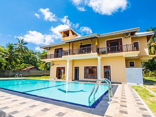 Lagoon view villa with swimming pool, Hikkaduwa