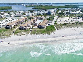 *** ABSOLUTE / DIRECT BEACH FRONT CONDO ***