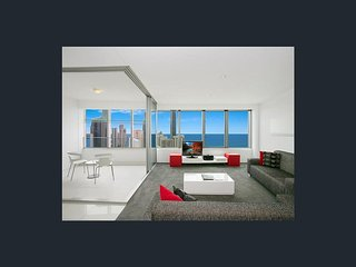 Huge Luxury apartment in The Iconic Q1 Building, Surfers Paradise
