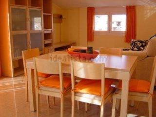 Ático - Apartamento nuevo en alquiler en Valderrob, Valderrobres