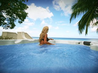 Plunge pool / spa overlooking the caribbean sea.