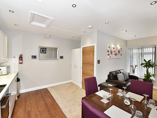 Number Six Self Catering Apartment - St Peter Port