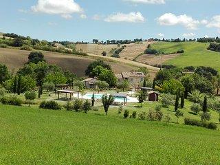 Borgo La Rovere: app. I GIRASOLI