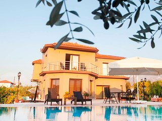 Kyrenia Gardens Luxurious Villa