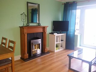 HALF PENNY BRIDGE APARTMENT 6
