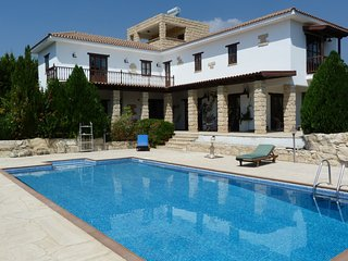 FABULOUS 4 BED VILLA WITH POOL & GARDENS -WEDDINGS, Limassol