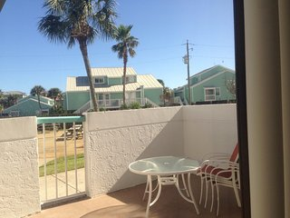 1 Bedroom Ground Level Surfside Resort, Miramar