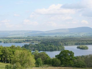 The Mews - a cottage with a spectacular view, Port of Menteith