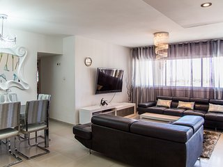 Beautiful Apartment With Balcony Sea View, Eilat