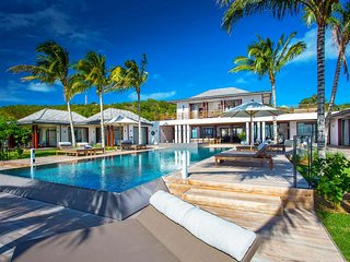 St Barts World Class Resort Style Luxury Villa with Ocean Views, Lurin