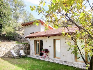 In nature walking distance from the lake., Colico