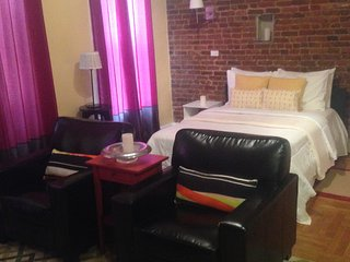 Colorful and Comfy Brooklyn Studio, Nova York