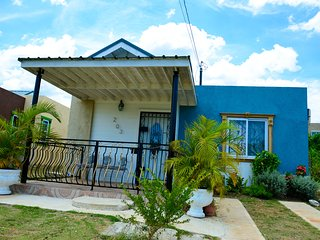 Nickel Vacation Homes, Montego Bay