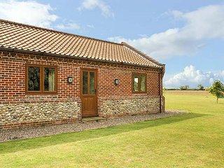 THE ANNEXE, all ground floor, private garden, pet-friendly, WiFi, Litcham, Ref 9