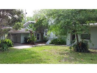 Cotee Riverfront Cottage near everything!, New Port Richey