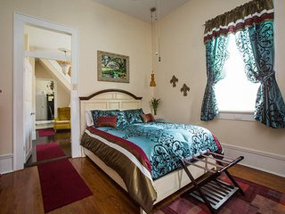 Brennah Rose Pl., CREOLE COTTAGE sleeps 8, 3bd/2ba, New Orleans