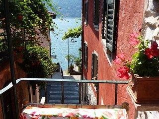 Casa Lua, charming house on the shore of Lake Como