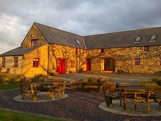 Mountain Hall Cottages - Ysgubor, Llanrhian