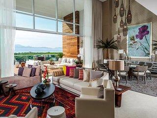 Grand Luxxe 3BR Loft, Playa Paraiso