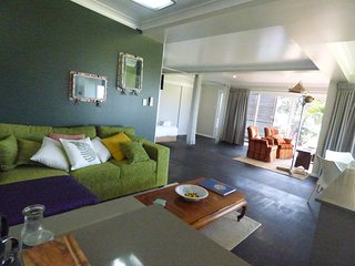 ArtHOUSE No.2 Beachfront Accommodation, Emerald Beach