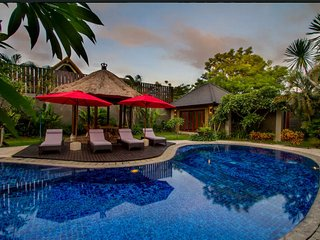 Luxurious 5BR/7bed close Seminyak