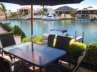 Port Sails Canal Villa, Mandurah Holiday Home