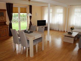 Stilvolles Ferienhaus in schoner Lage