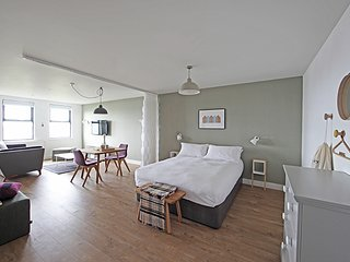 1 Bed Luxury Studio Apartment, Wick