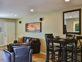 Furnished 2-Bedroom Condo at E 3rd St & Olive Ave Long Beach
